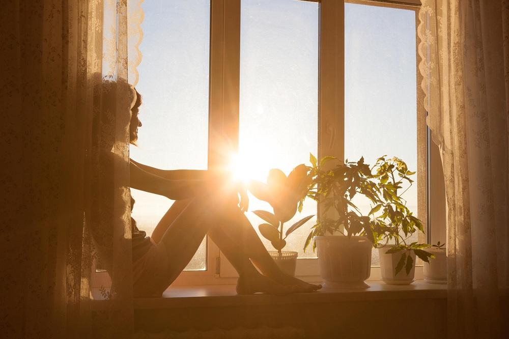 woman_window